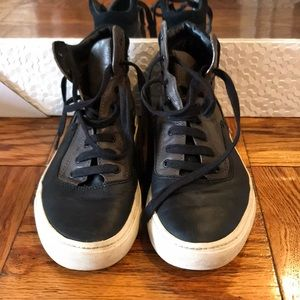 VINCE LEATHER HIGH TOP SNEAKERS!